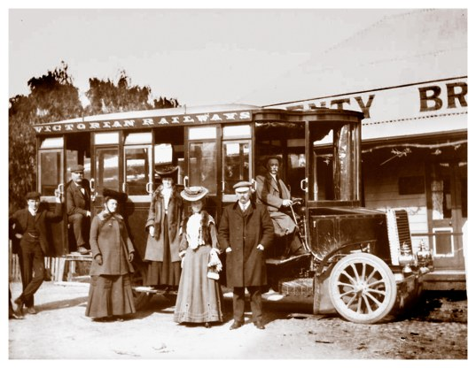 Victorian Railways No.1 steam charabanc at the Plenty Bridge Hotel, c1905, (Museums Victoria Collection).