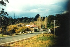 Old Lower Plenty Road Bridge and Plenty Bridge Hotel, c1957. (Picture by Keith Dunse, Shane Stoneham collection).