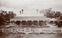Thomas Wragge's second Tulla Homestead, on the Wakool River, NSW, c1900, (Lady Betty Lush Collection).